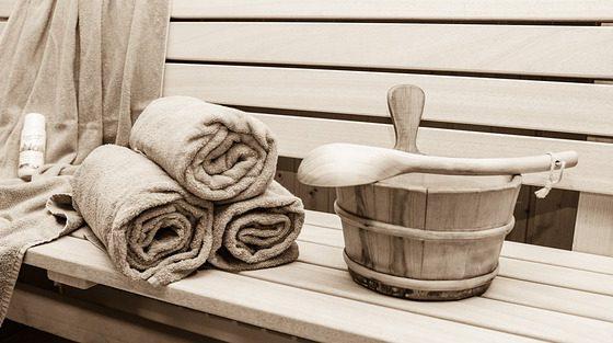 Zestaw do sauny – czyli co zabrać idąc do sauny?
